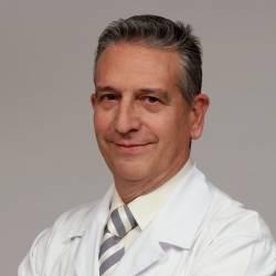 Dr. Alfred Dealbert Aguilar, Cirurgià en Cirurgia General