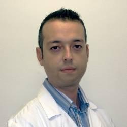 Dr. Juan Antonio Ezpeleta Campaña, Oftalmòleg en Oftalmologia