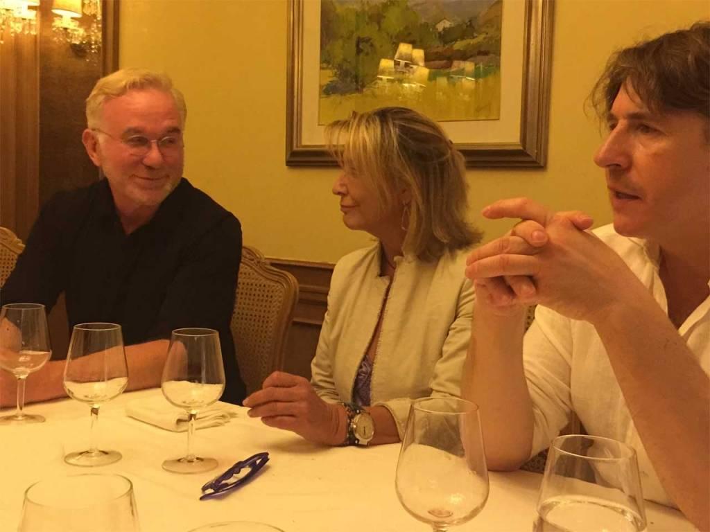 La Dra. Helena Biosca con el Profesor Sydney Coleman, prestigioso Cirujano Plástico de EEUU y el Dr. Max Brambila, cirujano plástico de Milán con dilatada experiencia en el campo de Cirugía Intima Femenina
