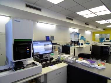 Nous equips laboratori COBAS 6000 i SYSMEX XN-1000