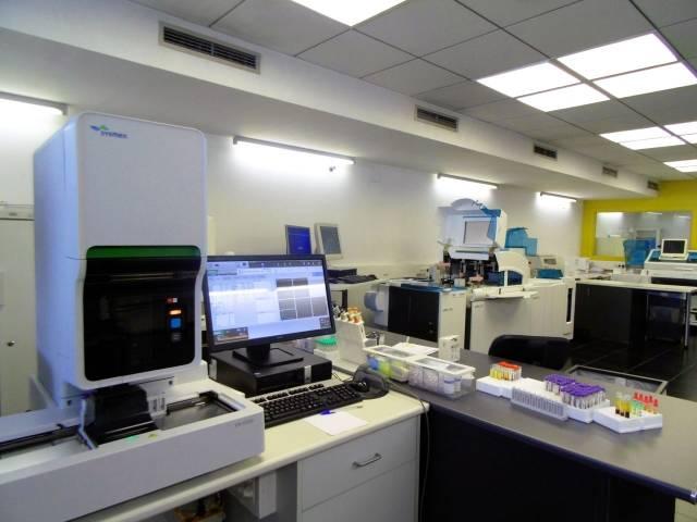 Nuevos equipos laboratorio COBAS 6000 y SYSMEX XN-1000