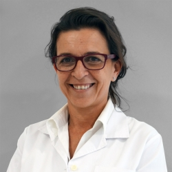 Dra. Olga Araújo Loperena, Metge internista en Medicina Interna
