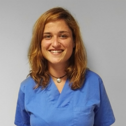 Sra. Alba Camacho Pinsach, Podóloga en Podología