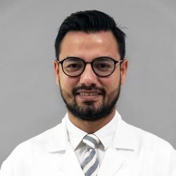 Dr.Chistian Espinal Chirinos, Profesional en ninguna o en más de una categoria/revisar en Angiología y Cirugía Vascular