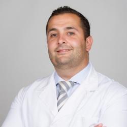 Dr. Carlos Triolo Gamero, Traumatòleg en Traumatologia i Cirurgia Ortopèdica