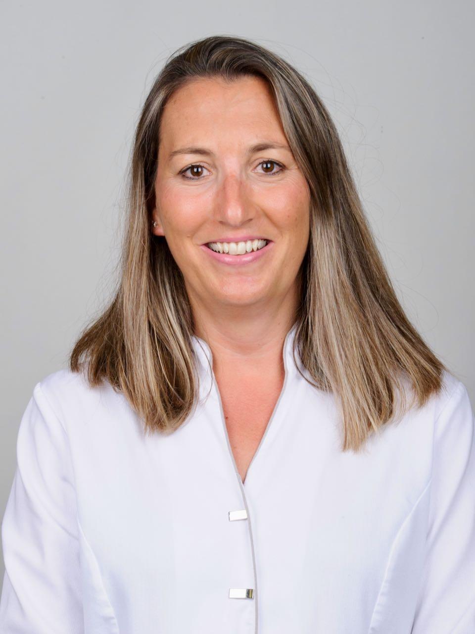 Sra. Ares Navarro de Sárraga
