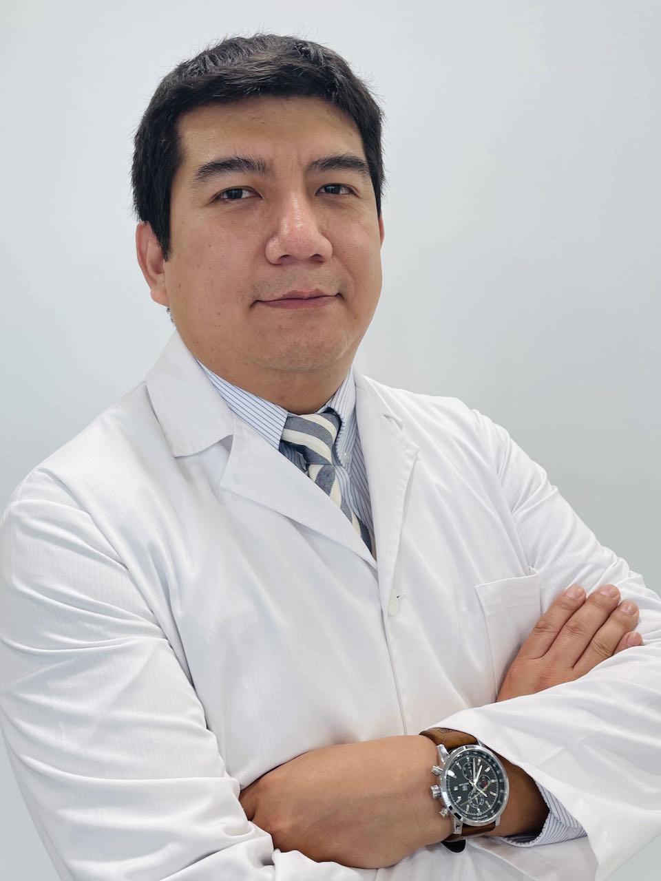 Dr. Víctor Palacios Arroyo