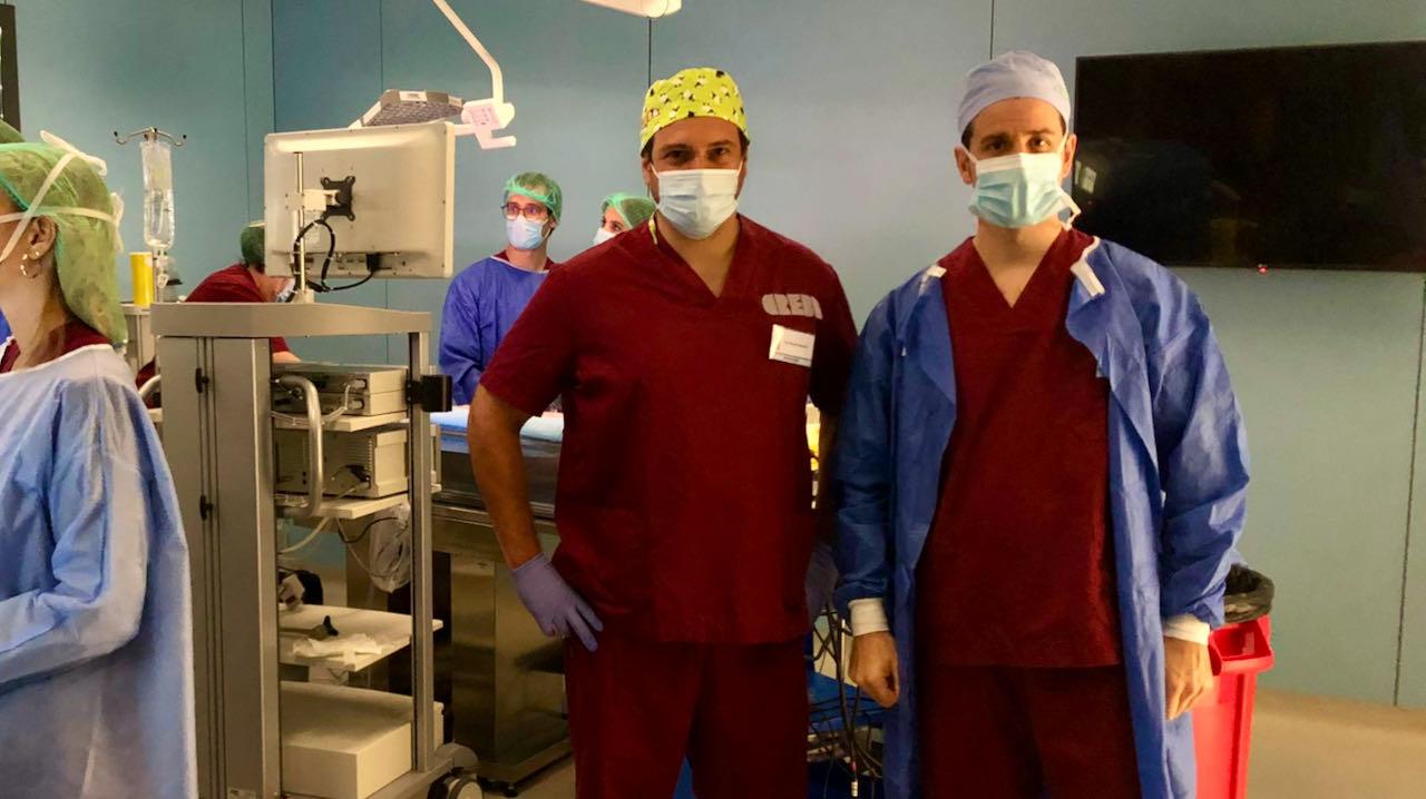 El David Garcia i Dr. Jaume Pelegrí en el curs de cirurgia urològica laparoscòpica